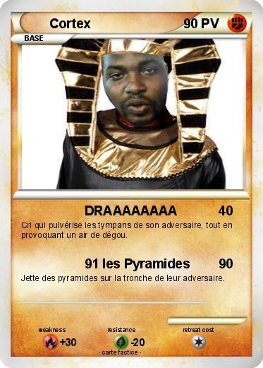 pyramide aux cartes
